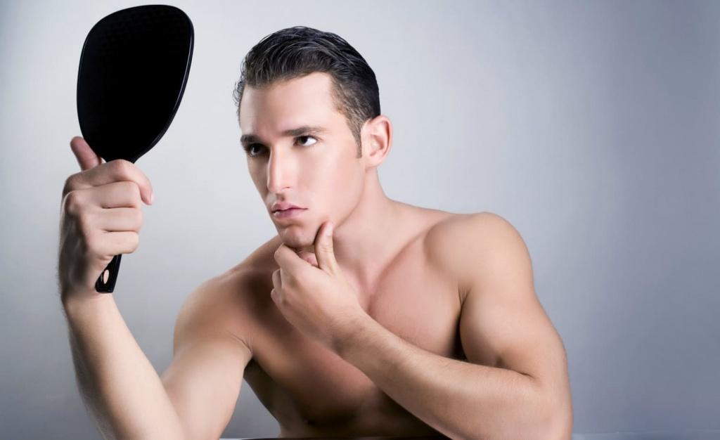 Нарциссизм у мужчин – признаки и способы борьбы