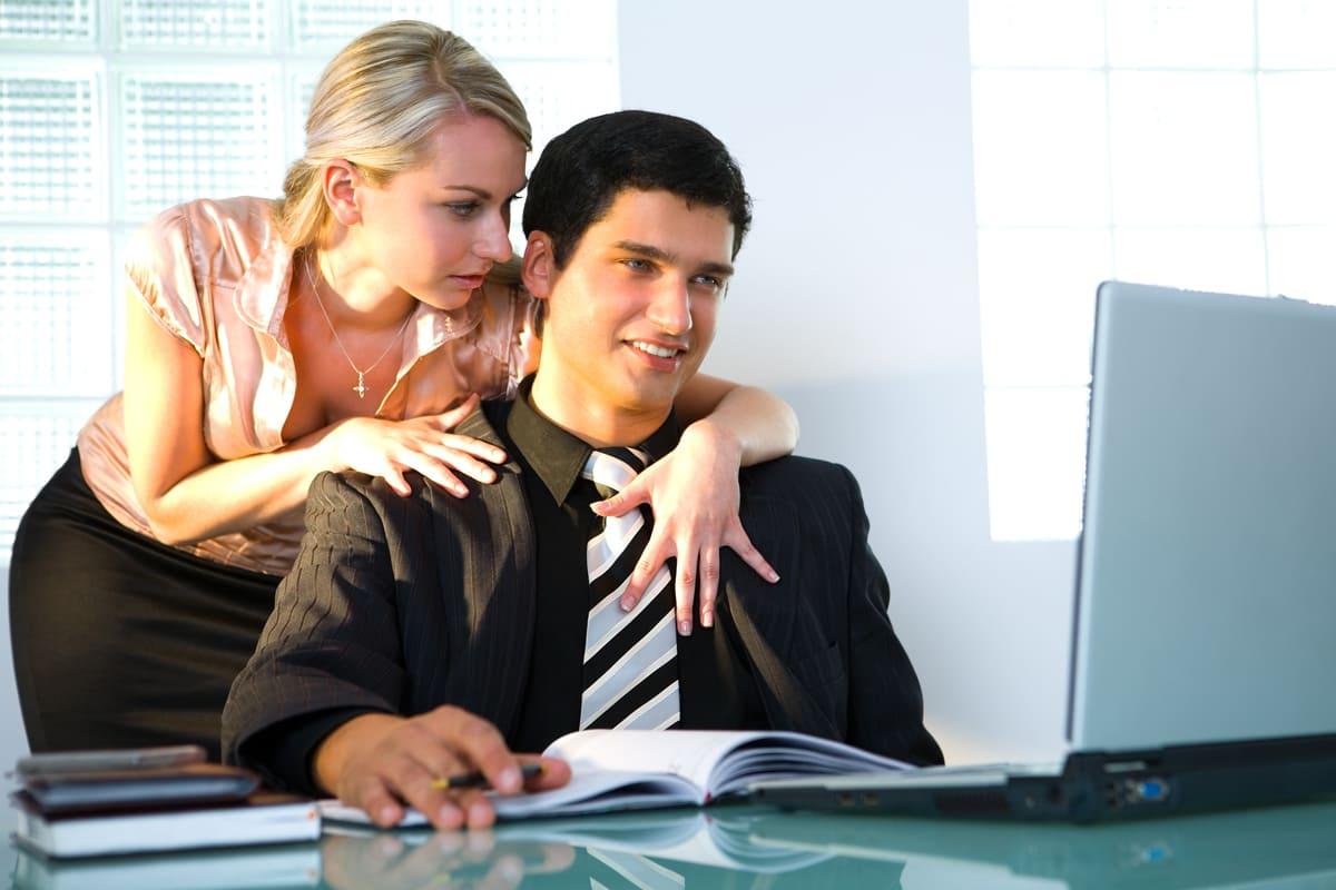 любовь в офисе фото бляди